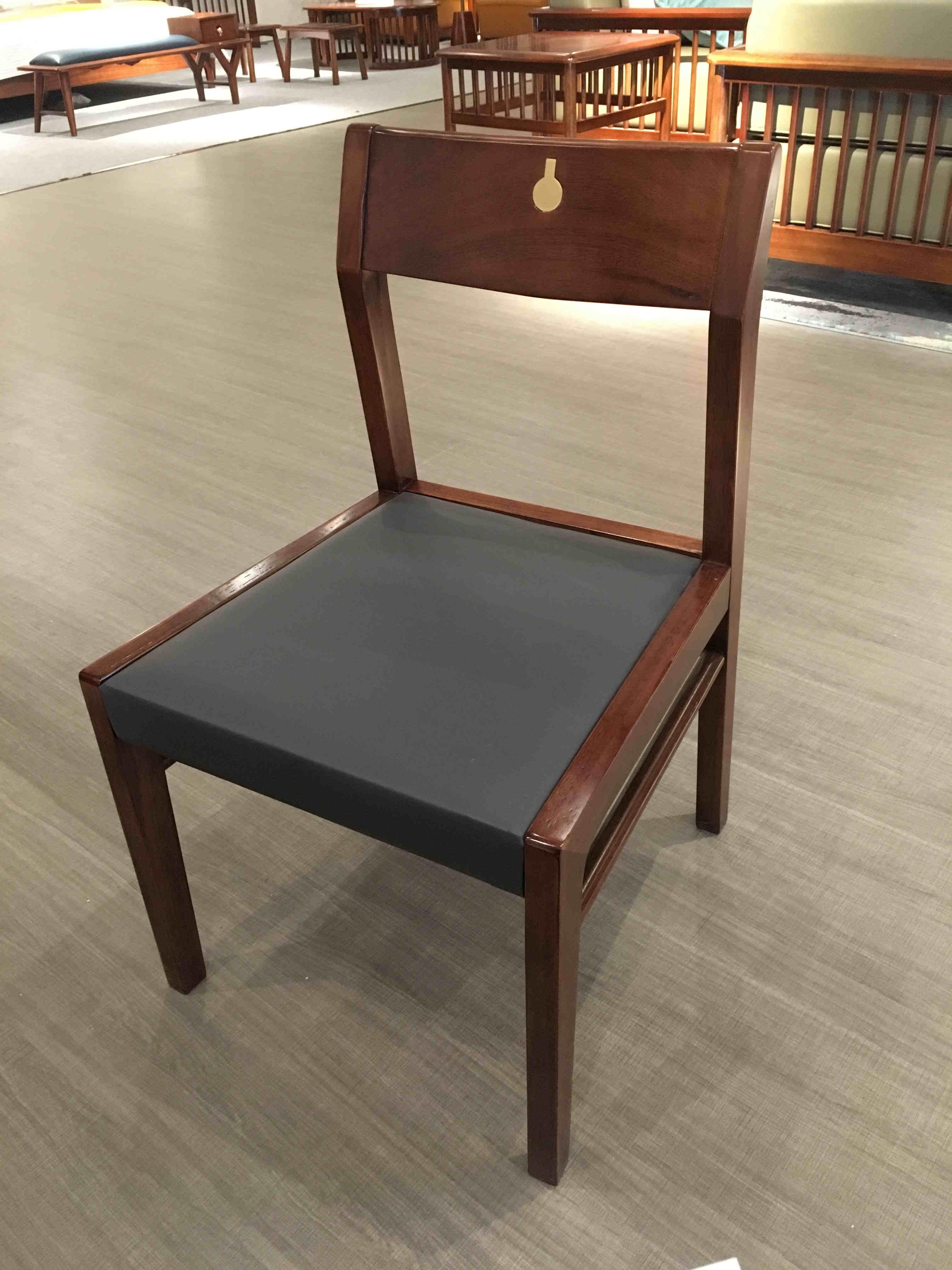 FP05餐椅.jpg