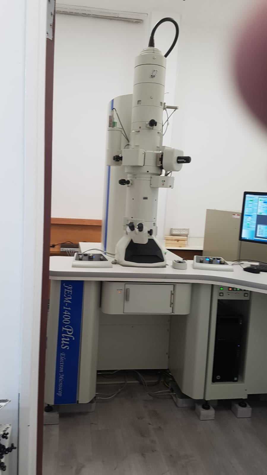 JEOL TEM日本電子透射電子顯微鏡主動減震臺.jpg