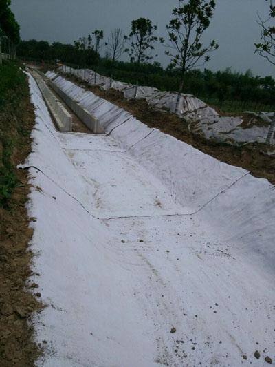 膨润土防水毯的施工方法