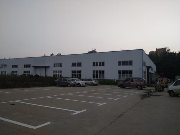 美臣药业厂区停车位标线施