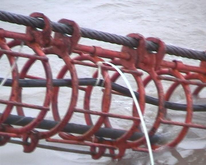 布缆机和导缆笼