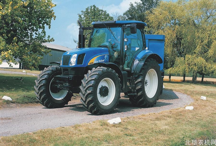 纽荷兰T6000系列拖拉机