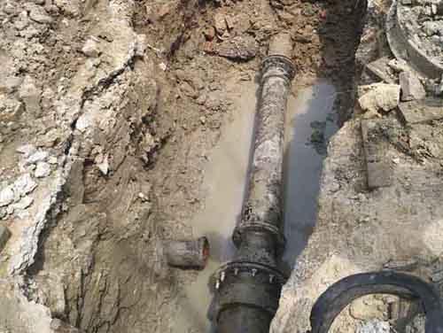 合肥自来水管道漏水